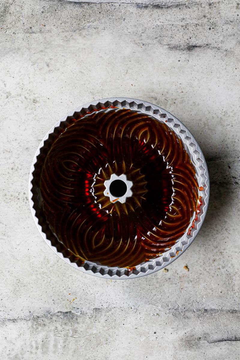 Molde forrado con caramelo