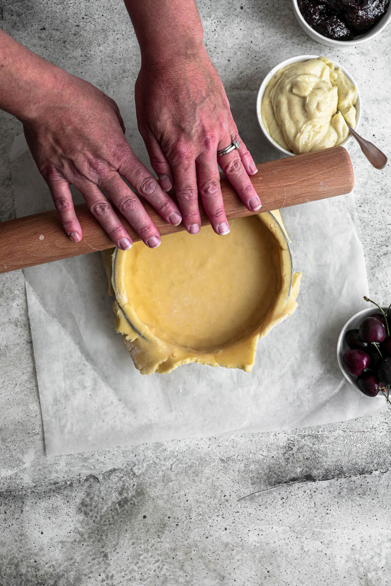 Place the gateau Basque dough over your tart tin