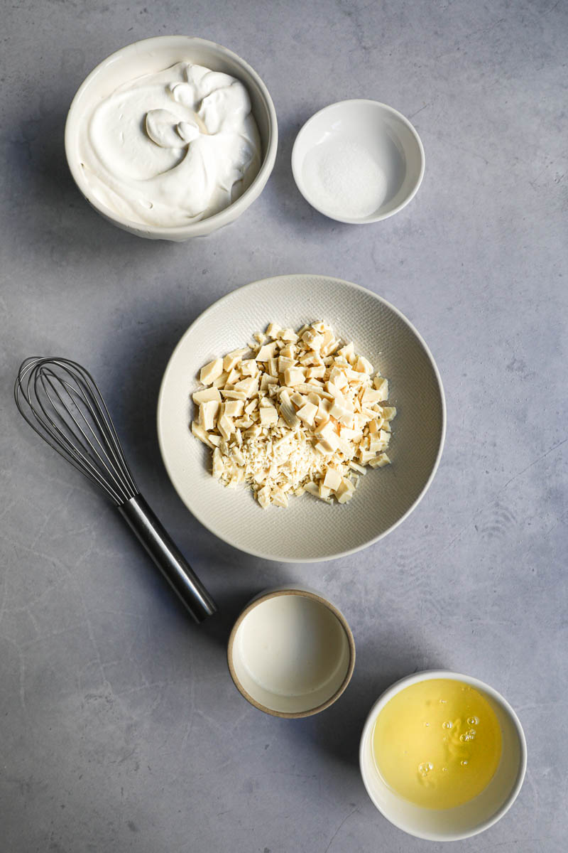 The ingredients needed to make white chocolate mousse.